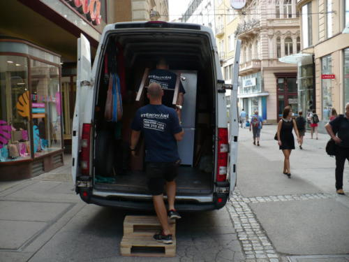 Stěhování v centru Brna.