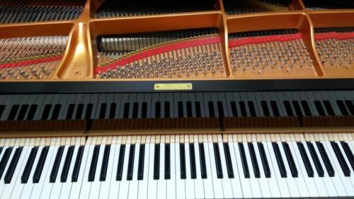 Stěhování klavíru na JAMU Brno.